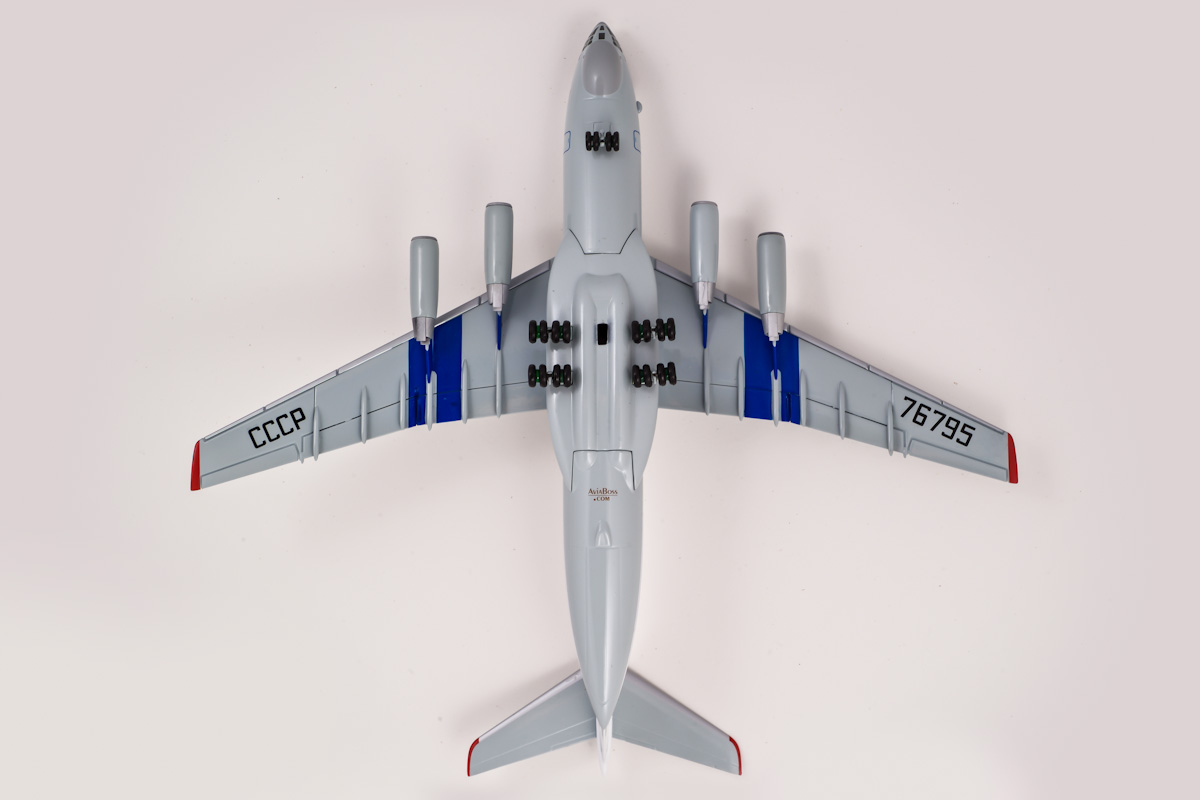 Ilyushin IL-76TD scale model, AviaBoss A2004.