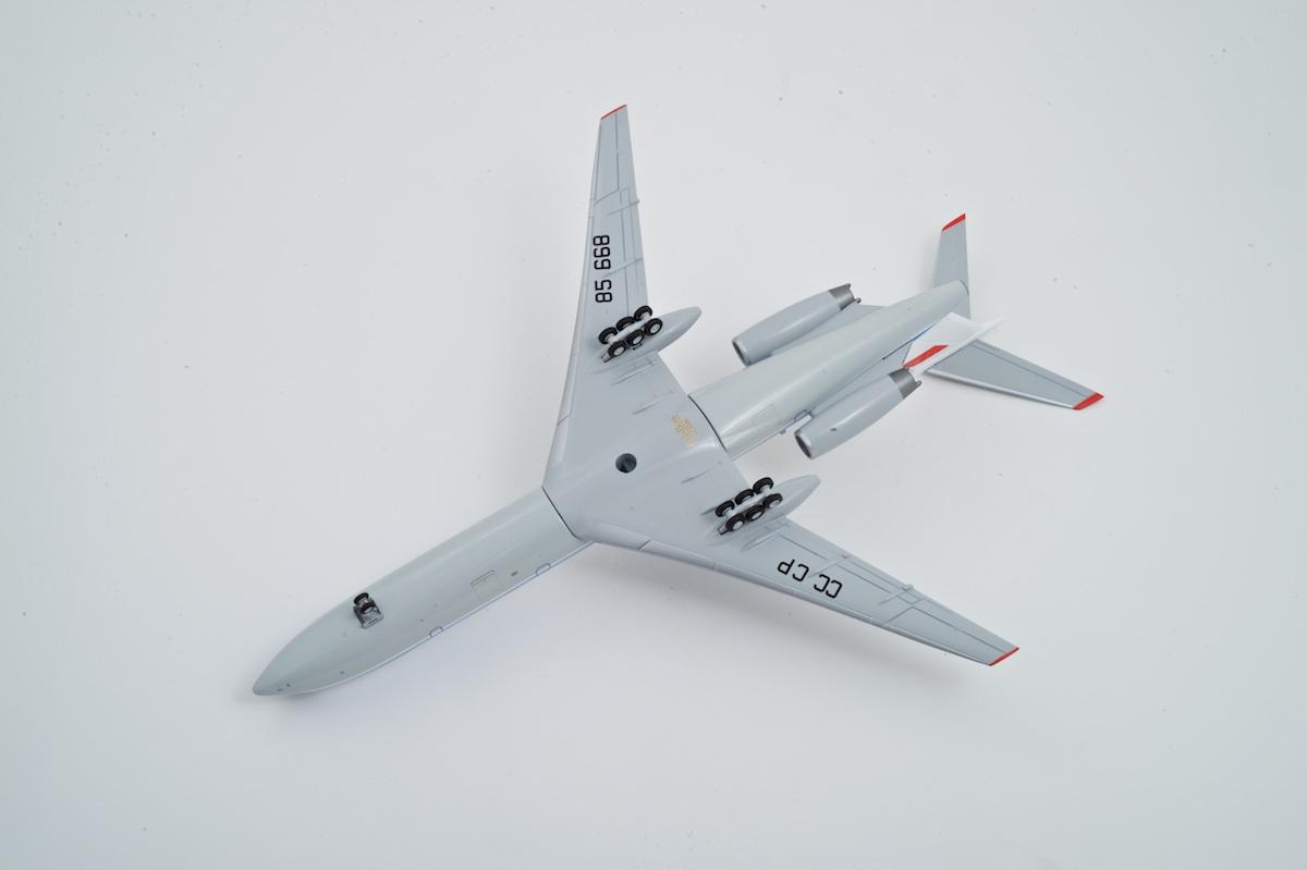 Модель самолета Ту-154М из металла, AviaBoss A2021.