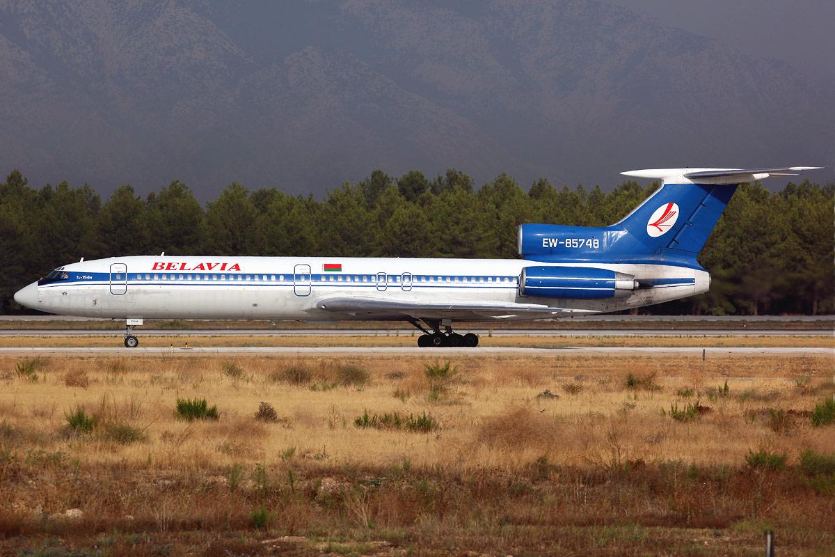 Tupolev Tu-154M EW-85748.